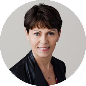 Rebecca Deelstra Headshot